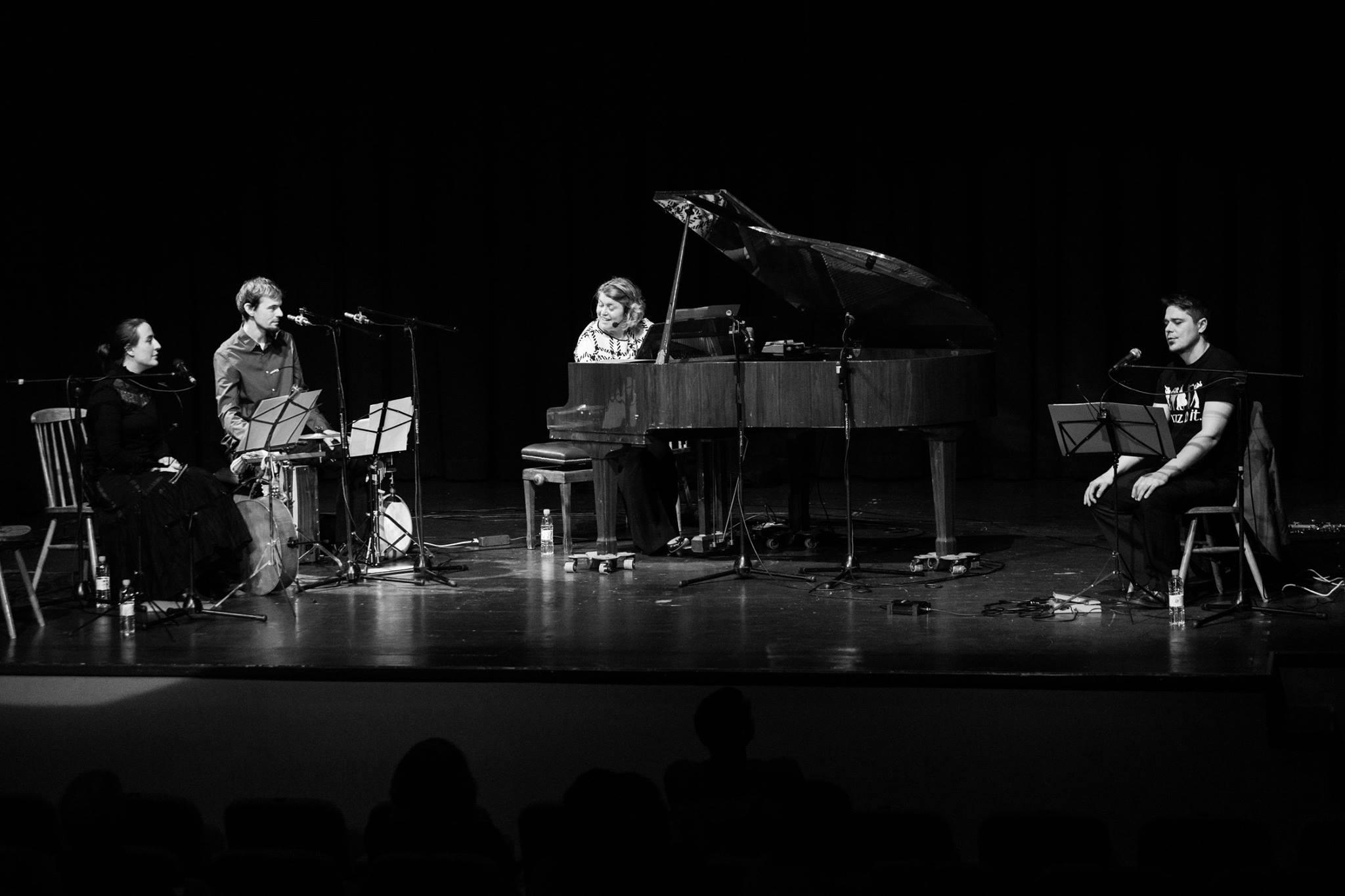 Fotografije z zadnjega koncerta/Photos from our last concert/Fotografie dell ultimo concerto
